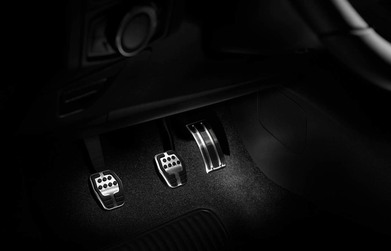 Ford Focus ST 2015 Euro-Spec Photo