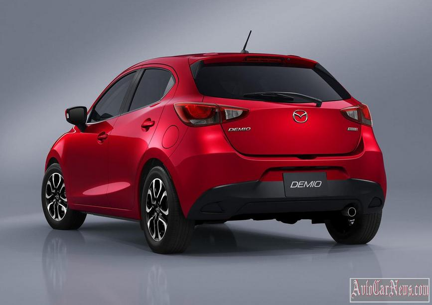 2015 Mazda 2 Photos