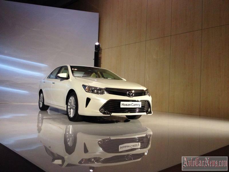 2015 Toyota Camry Photos