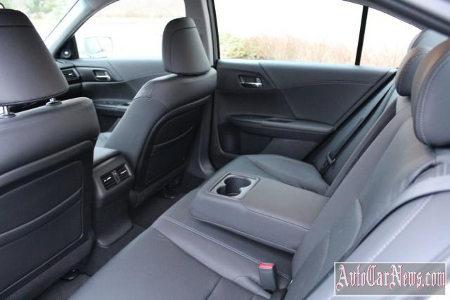 2015 Honda Accord Sedan Photos