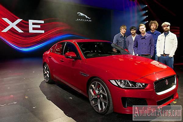 2015 Jaguar XE S Photos
