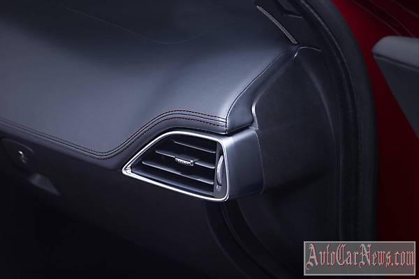 2015 Jaguar XE S Photos