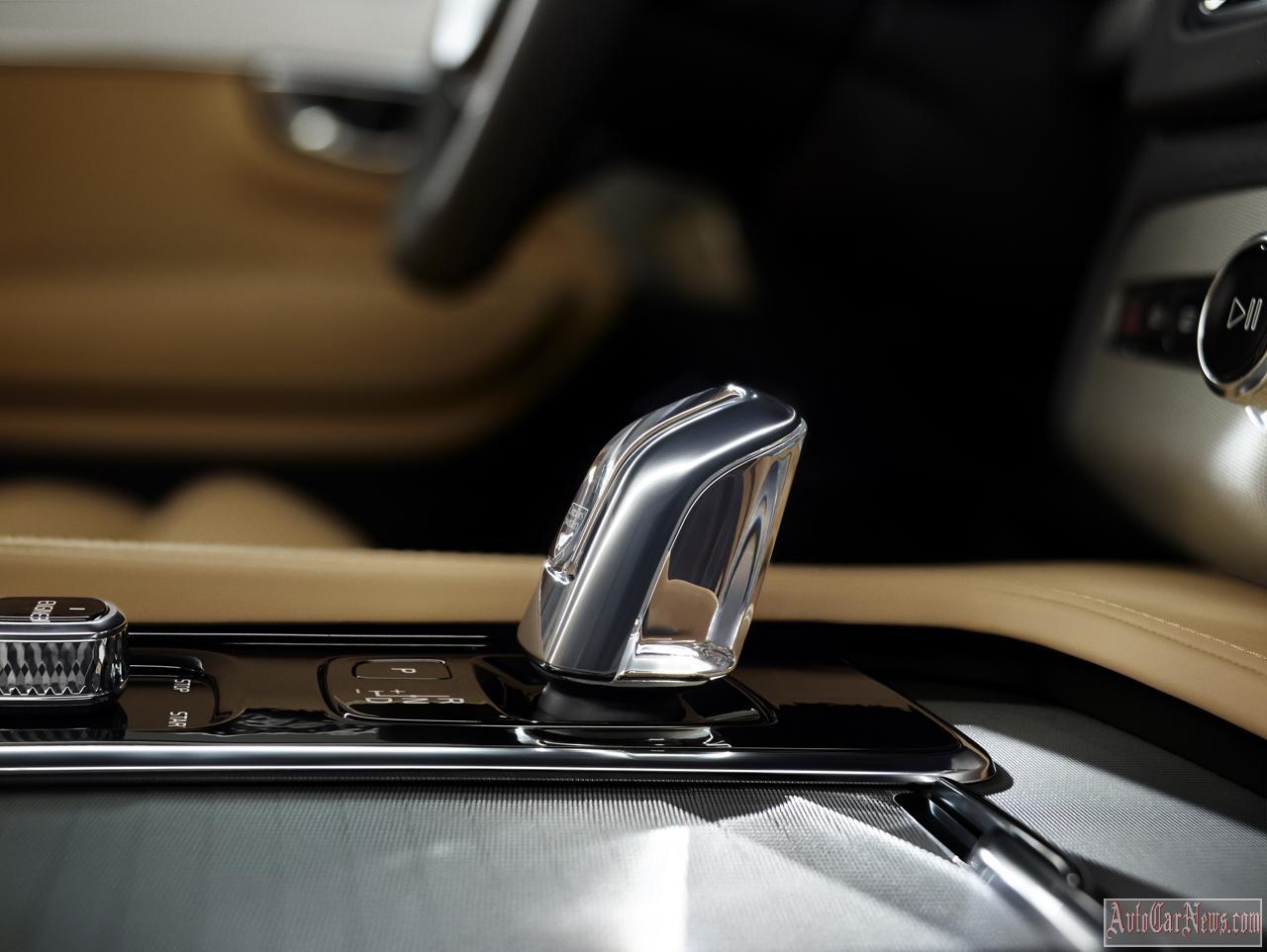 2015 Volvo XC90 Photo Gallery
