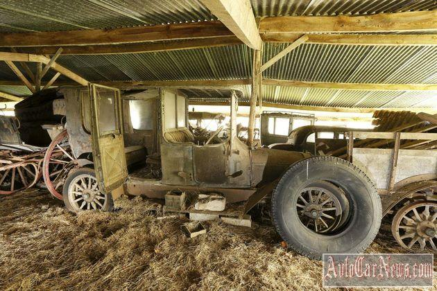60_automobiles_de_la_collection_baillon-12