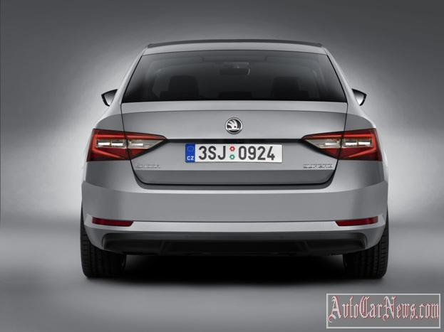 2016_Skoda_Superb_Photo-24