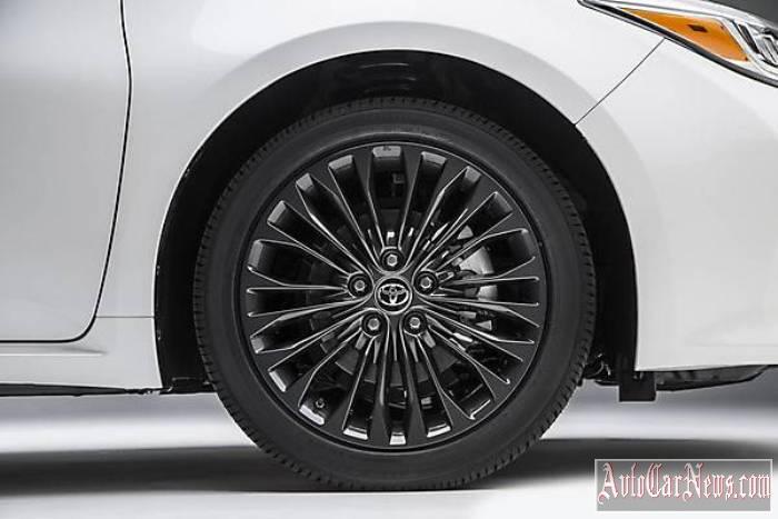 2016 Toyota Avalon Detroit Photo