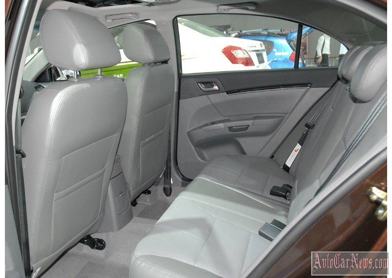 2014_geely_emgrand_x7_photo-13
