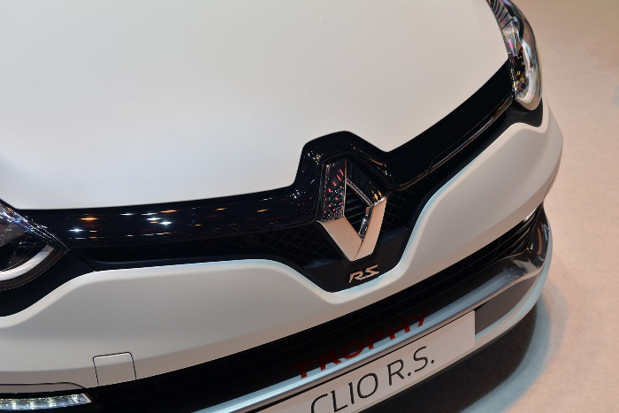 2015 Renault Clio RS 220 Trophy Geneva Photo