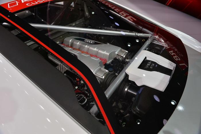 2016 Audi R8 LMS Geneva2015 Photo
