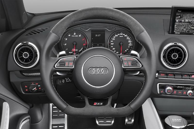 2015-Audi-RS3-Sportback-Photo-01