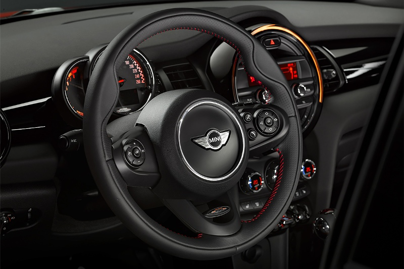 2015-MINI-John-Cooper-Works-Photo-04