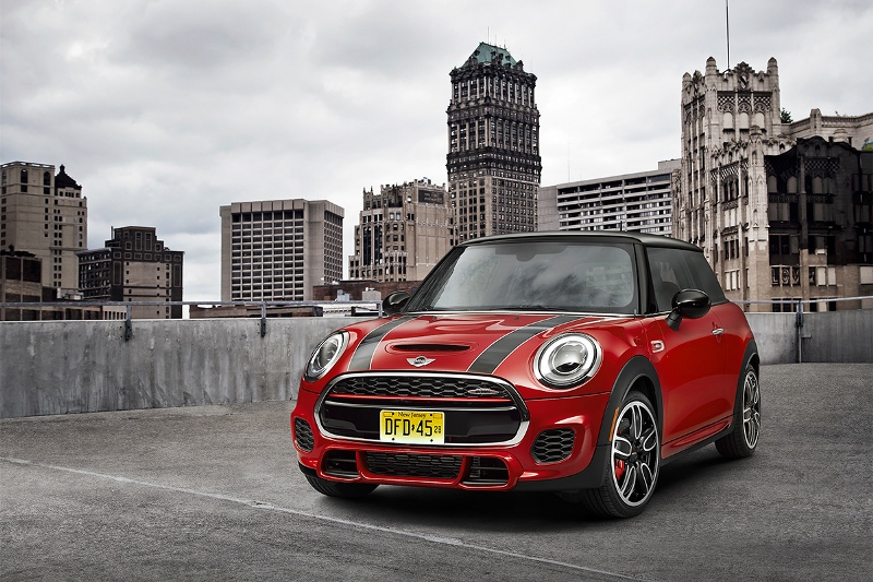 2015-MINI-John-Cooper-Works-Photo-09