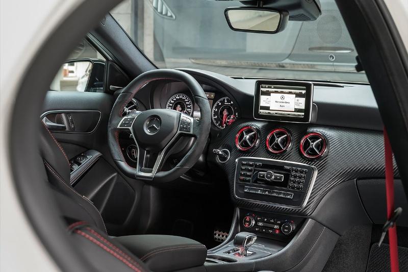 2015-Mercedes-Benz-A45-AMG-Photo-02