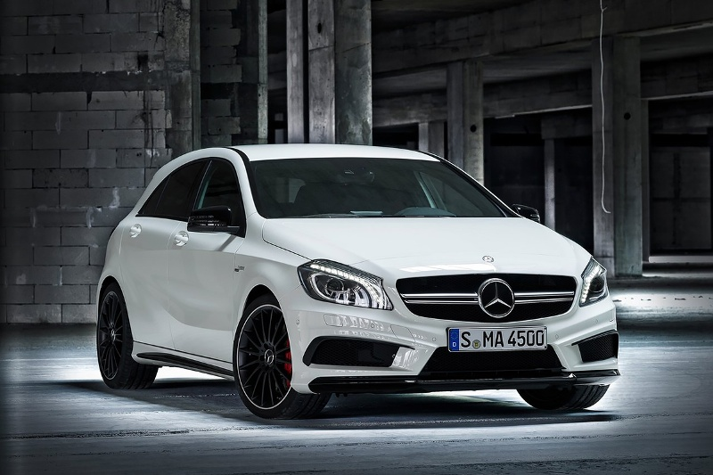 2015-Mercedes-Benz-A45-AMG-Photo-04