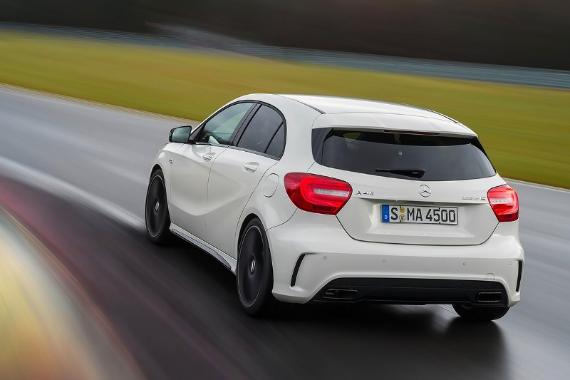 2015-Mercedes-Benz-A45-AMG-Photo-06