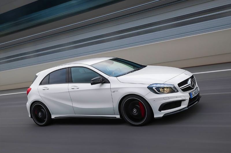 2015-Mercedes-Benz-A45-AMG-Photo-07