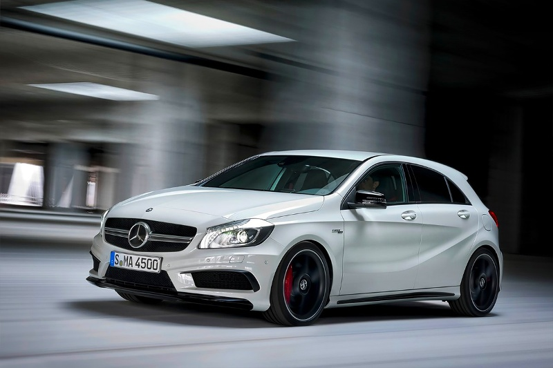 2015-Mercedes-Benz-A45-AMG-Photo-08