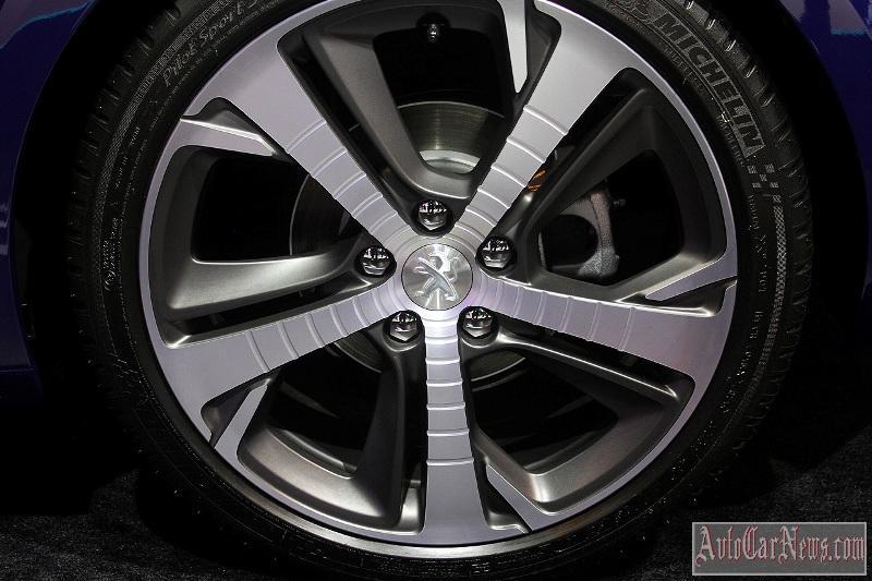 2015-peugeot-308-r-hybrid-007