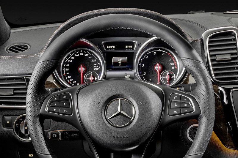 2015_mercedes-benz_gle_coupe-02