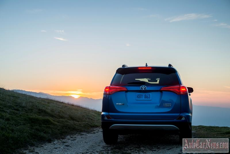 2016-toyota-rav4-hybrid-photo-13