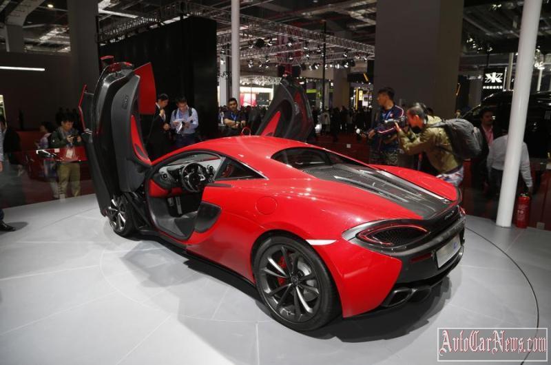 2016_McLaren_540C_Coupe_Photo-008