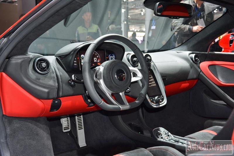 2016_McLaren_540C_Coupe_Photo-03