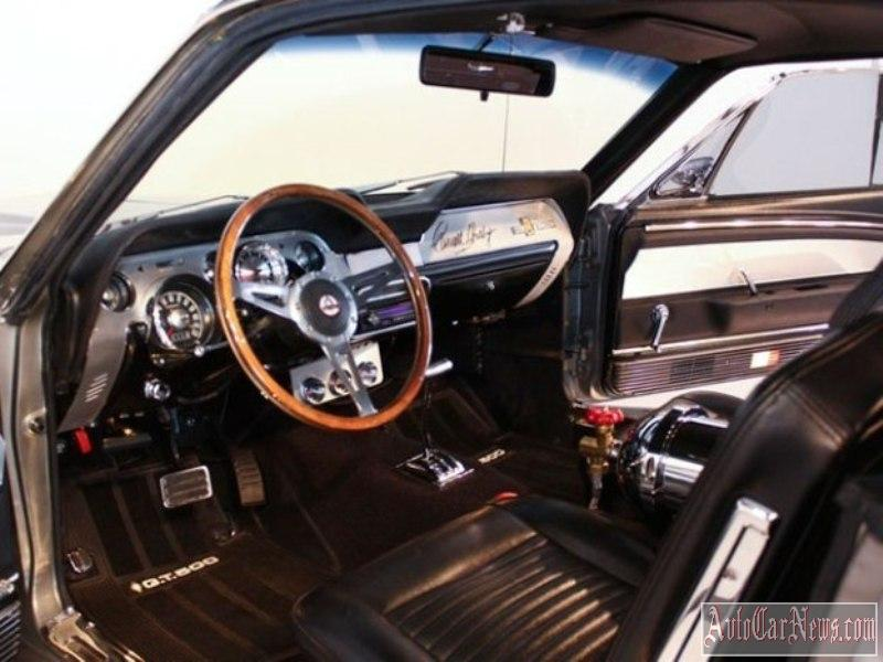 Ford-Mustang-Shelby-GT500'67-photo-05