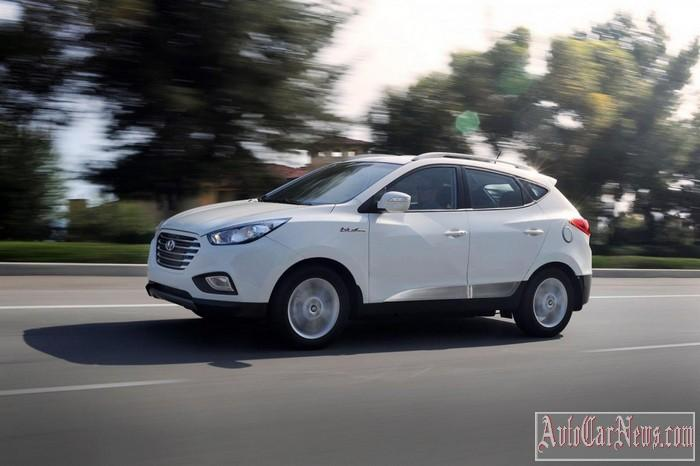 2015-Hyundai-Tuscon-Fuel-Cell-Photo-02