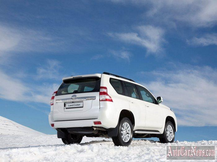 2015-toyota-land_cruiser_prado-photo-03