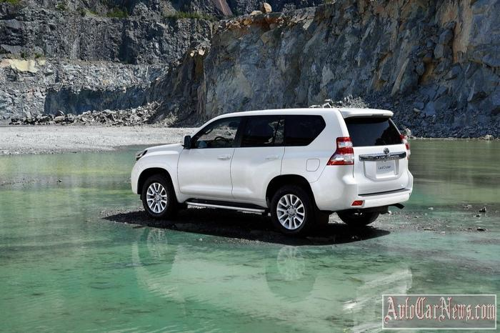 2015-toyota-land_cruiser_prado-photo-04