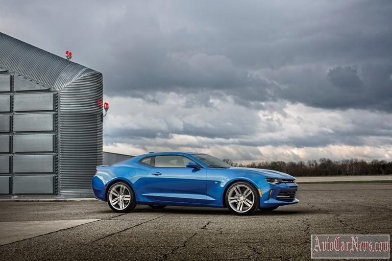 2016-chevrolet-camaro-rs-photo-11