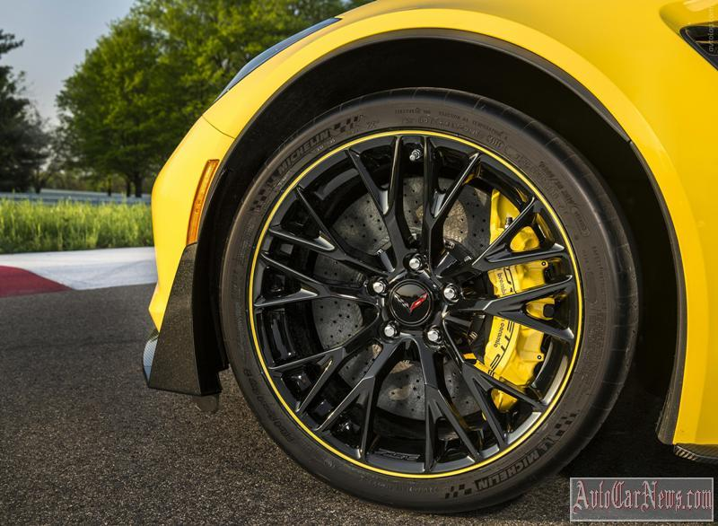 More on http://avtolog.com/catalog/chevrolet/corvette-z06-c7.r-edition-2016/