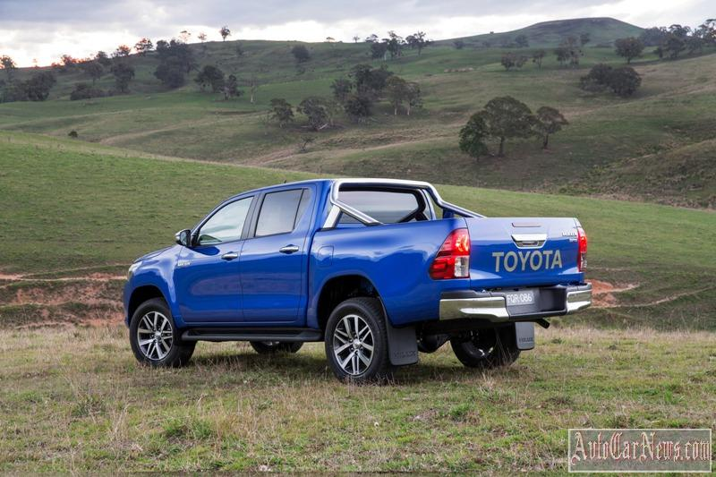 2016_toyota_hilux_photo-12