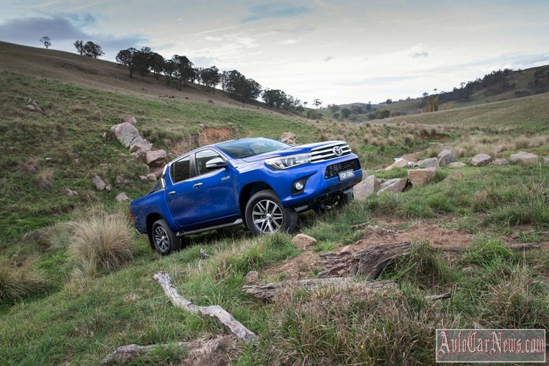2016_toyota_hilux_photo-19