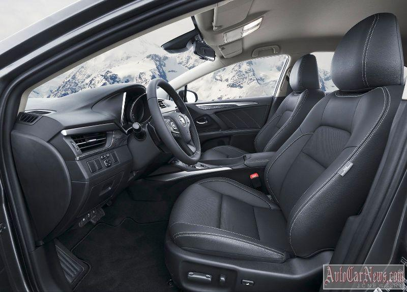 2015_toyota_avensis_photo-17