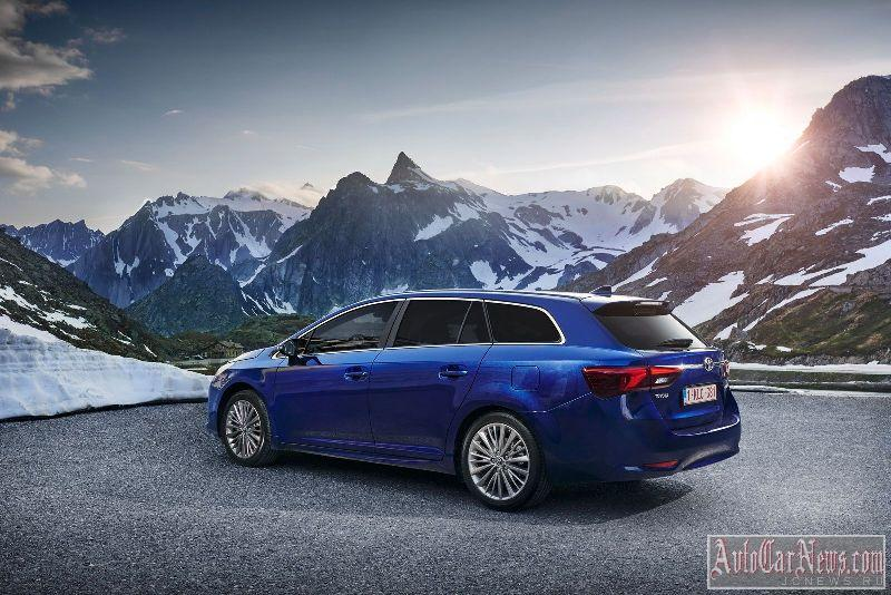 2015_toyota_avensis_photo-18