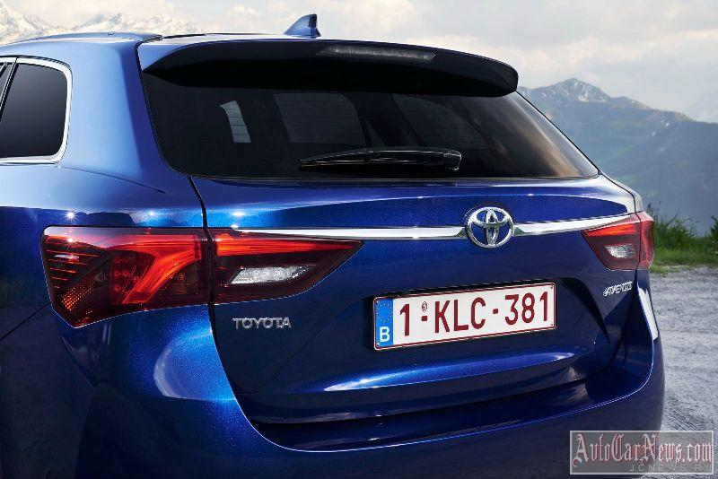 2015_toyota_avensis_photo-26