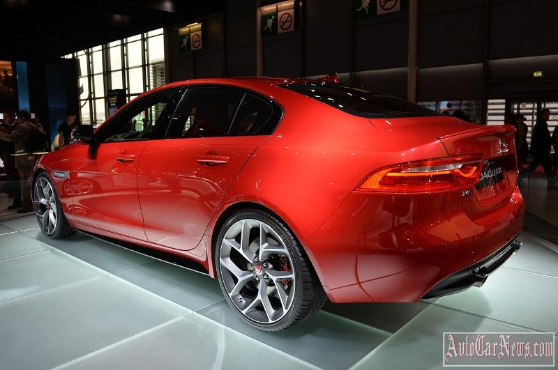 2016-jaguar-xe-photo-11