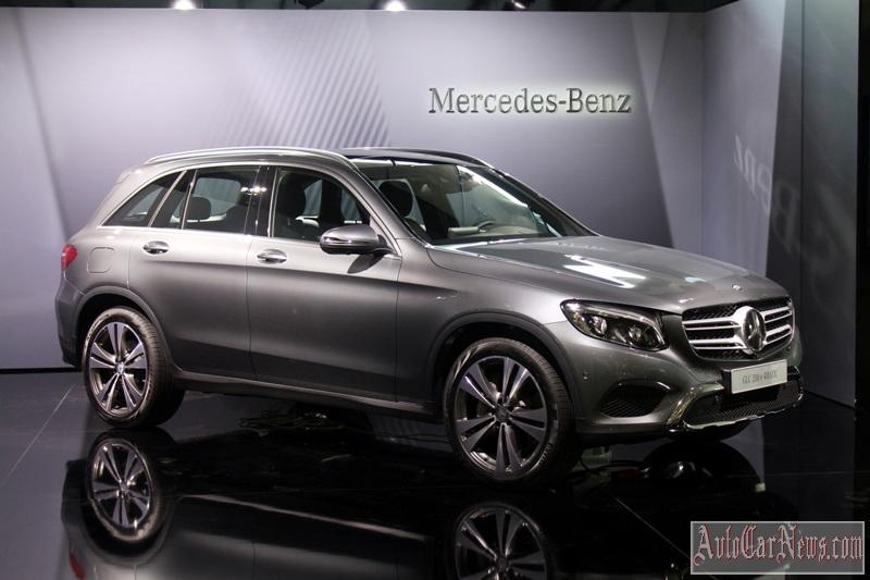 2016-mercedes-glc-350e-photo-25