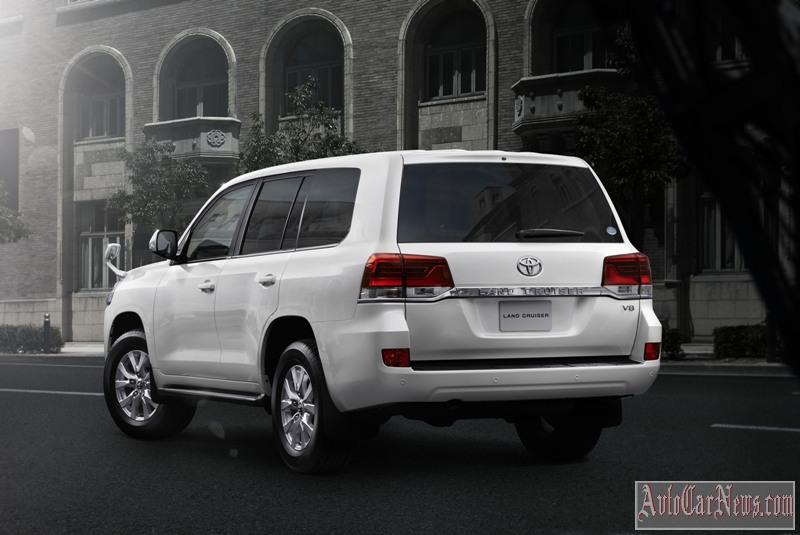 2016_toyota_land_cruiser_200_foto-20