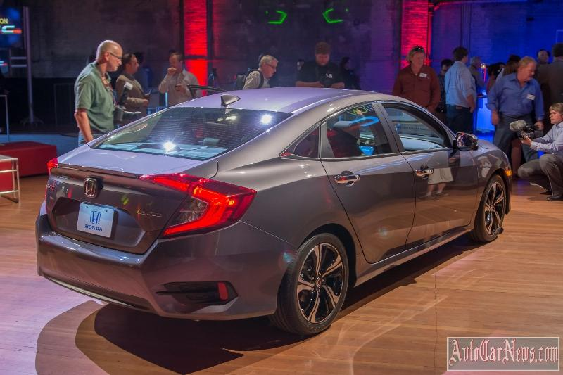 2016_honda_civic_sedan_foto-11