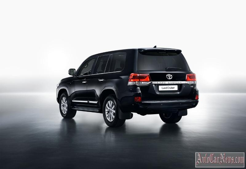 2015_toyota_land_cruiser_200_foto-06