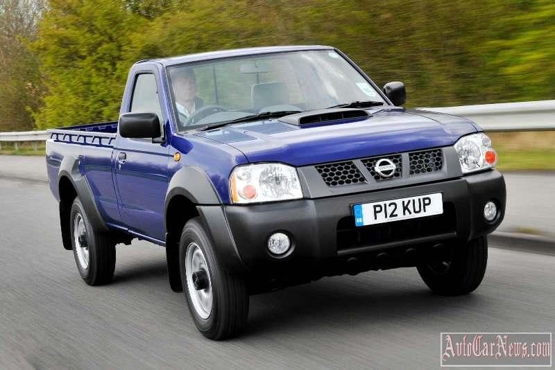 2010_nissan_np300_pickup_photo-02